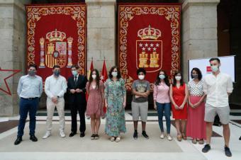 Isabel Díaz Ayuso presenta el nuevo Carné Joven
