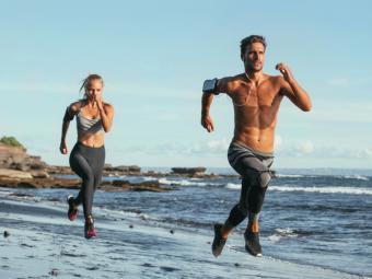 ¿Eres runner? Te contamos siete consejos para cuidar tus pies a la perfección
