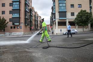 Continúa el refuerzo de limpieza en Moncloa-Aravaca