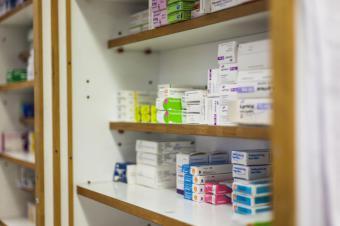 La Comunidad de Madrid establece un protocolo para la entrega de medicamentos a domicilio por las oficinas de farmacia