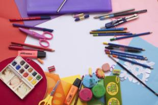 El Ayuntamiento anuncia que en septiembre se pondrán en marcha por primera vez las ayudas para material escolar para más de 600 familias de Pozuelo