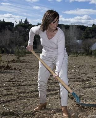 Paloma Adrados se siente como pez en el agua rodeada de naturaleza. La jardinería es una de sus grandes pasiones.