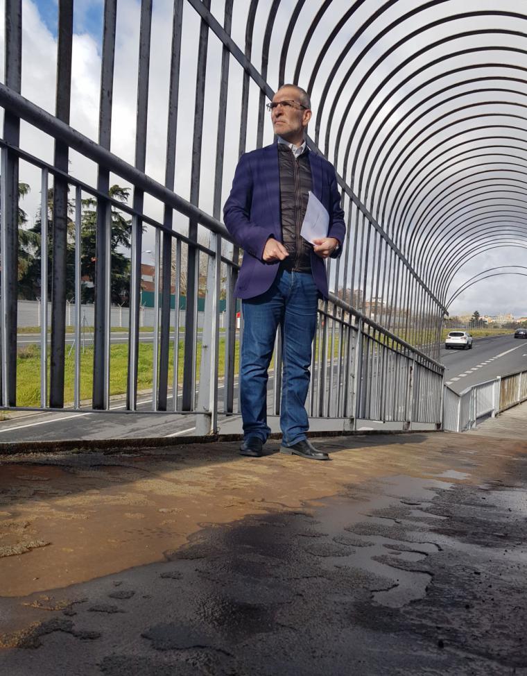 Ciudadanos Pozuelo solicita al gobierno local la urgente reparación de las pasarelas peatonales en la Carretera de Carabanchel