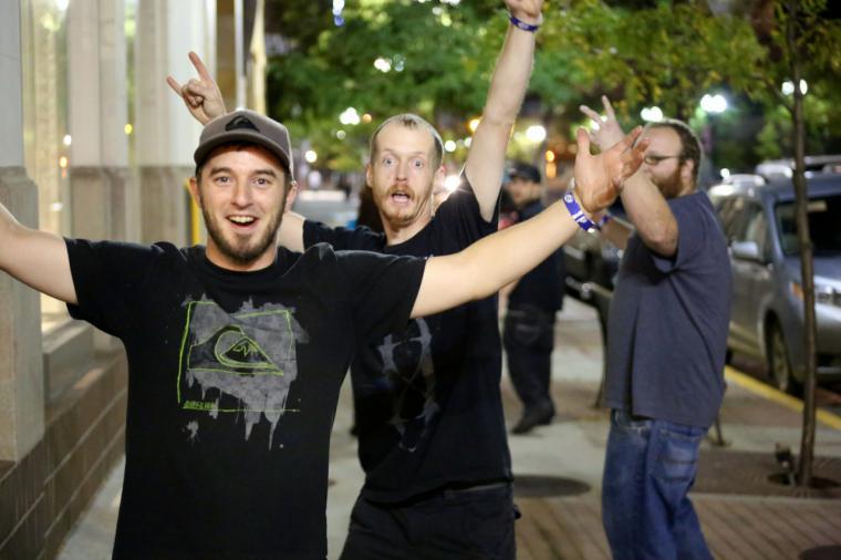 La campaña Salimos sin molestar vuelve a la calle para compatibilizar ocio nocturno y descanso