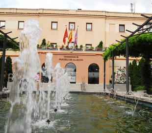 Pozuelo es el municipio de España de más de 40.000 habitantes con menos paro