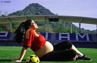María Perales, profesora de la UCJC, analiza los riesgos de hacer ejercicio de alta intensidad durante el embarazo