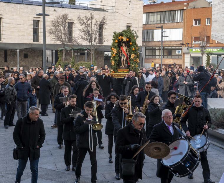La misa y procesión en honor a San Sebastián ponen el broche de oro a esta tradicional festividad de la ciudad