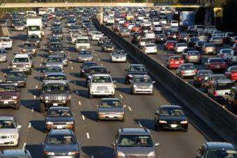 Casi el 30% de los madrileños saldrá de puente sin revisar su coche