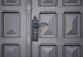Formas de contratar correctamente los servicios de cerrajeros urgentes