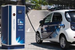 Los puntos de recarga para vehículos eléctricos llegan a Pozuelo