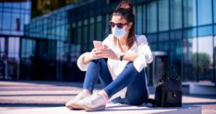La Comunidad de Madrid presenta el nuevo Carné Joven digital para llevar en el móvil