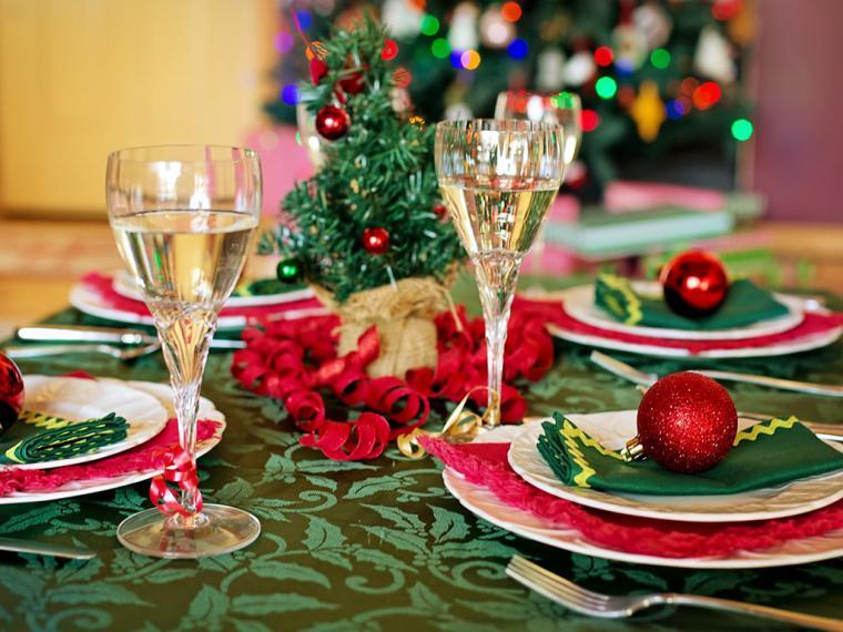 Los cuatro temas de conversación que estresarán tus comidas y cenas en Navidad y fin de año