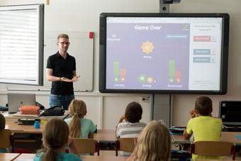 Sonia Díez: 'El profesor debe ser guía y acompañante durante la formación del alumno en las aulas'