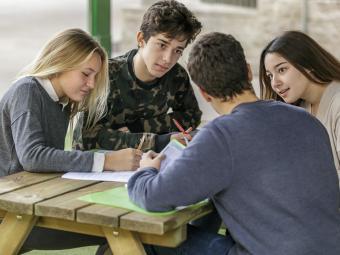 ¿Cómo podemos trabajar con nuestros hijos adolescentes la nueva normalidad?