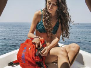 ¿Conoces la mochila flotante de Tucano? Es ideal para deportes acuáticos