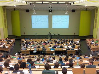 La Comunidad de Madrid asesora a los estudiantes madrileños en su acceso a la universidad