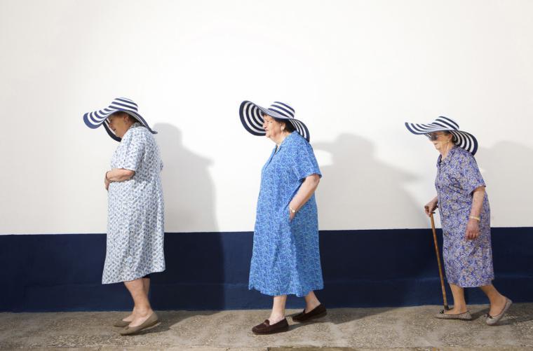 'Homenaje a la bata', un tributo gráfico a toda una generación de mujeres excepcionales