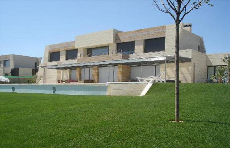 Cristiano ronaldo compra la casa que alquilaba en la finca - Casa de cr7 en madrid ...